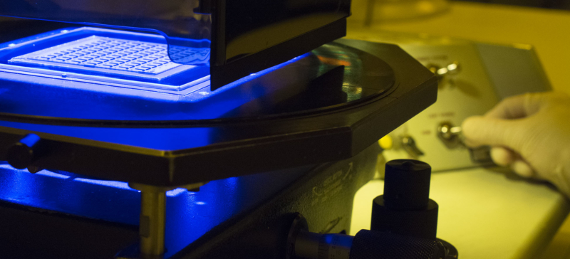 Exposure of photoresist during thin film fabrication